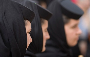 Orthodox nuns